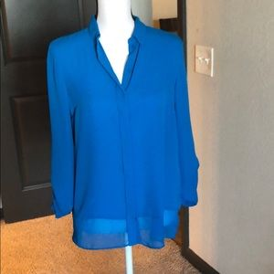 Tahari tab sleeve blue collared button down S